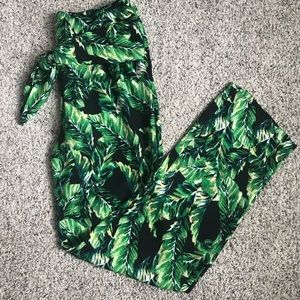 Gianni Bini Pants & Jumpsuits - EUC Gianni Bini palm pants - tie waist, size 2